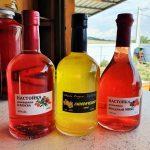 Настойки на клюкве, ягодах и лимонный ликер, произведенные винодельней Чернова в Анапе